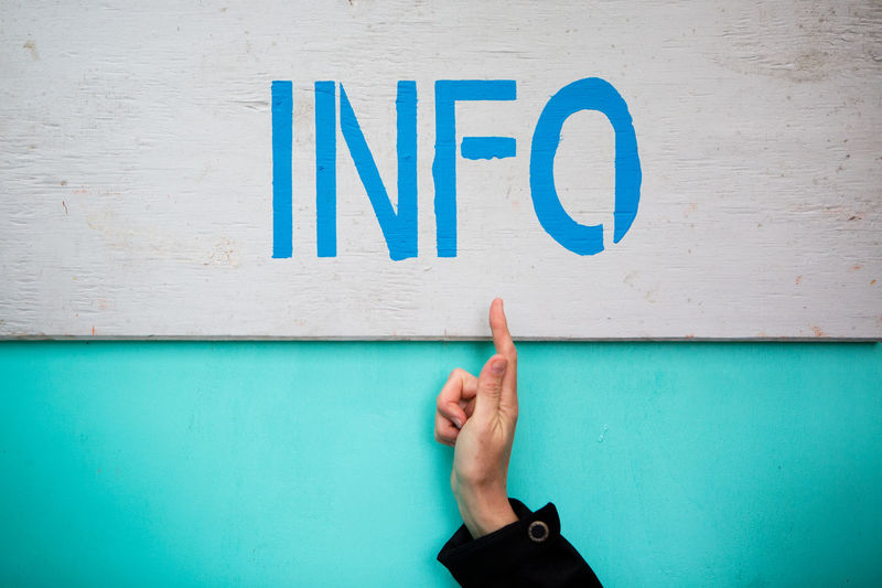 Questions ? Board Capital Letter Communication Hand Index Finger Info Information Information Sign Q Question Questions? Showing Sign Symbol Text Vignette Western Script Word
