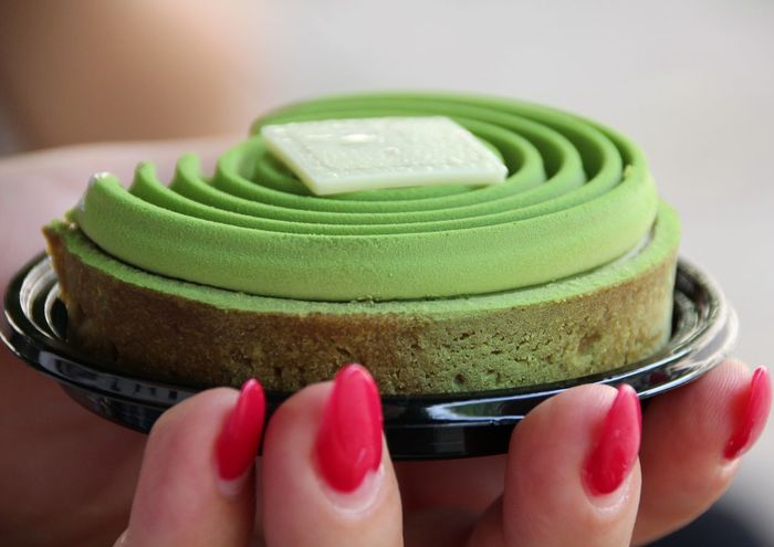 Tart - Dessert Tadaa Community Frankreich Picoftheday St.Germain Amazing View Europa Foodphotography Green Holding Painting Fingernails Nail Art Matcha Tea Sweet Pie Nail File Nail Varnish Green Tea