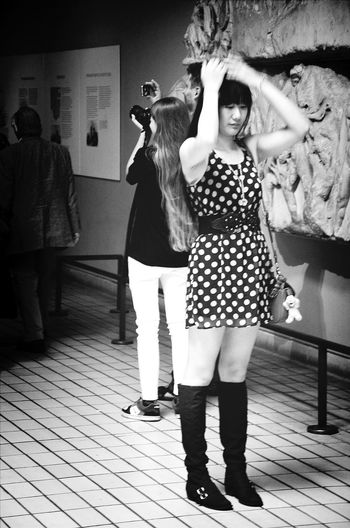 Summer Girls Streetphotos Girls At The Museum Taking Photos Of People Taking Photos Asiangirl Fashion Forever