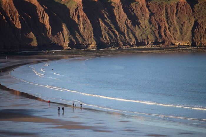 Evening stroll Yorkshire Coast Coastal_collection Sea Daytrip Filey Beach Beachwalk Evening Light Seaside Cliffs Close-up Scale  Scenic Panaroma