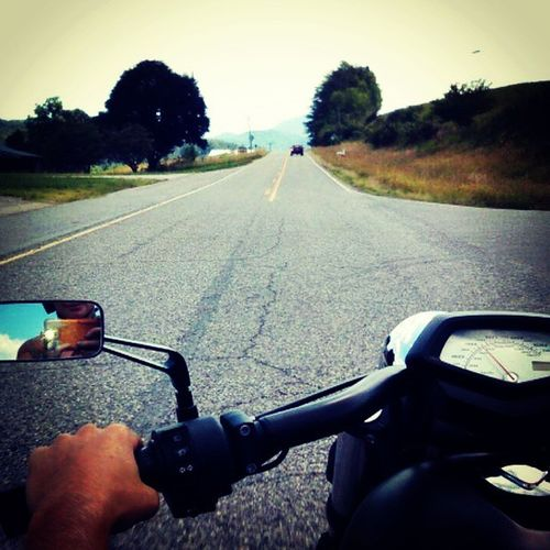 Just working through today to get back out on the road and ride. Twowheelsmovethesoul Isit5yet IsItFridayYet Hondafury