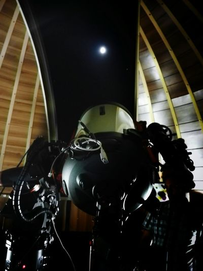 Anybody out there? Telescope Astronomical Observatory Moon Dome Nightlife Night Enjoying Life Enjoying The View Enjoying The Moment
