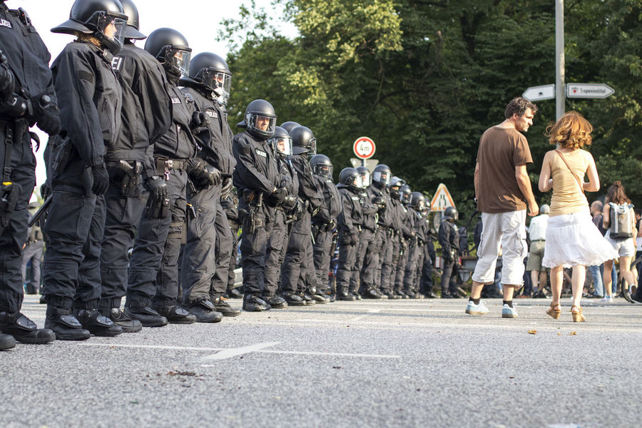G20 Demonstration 2017 City G20 Gipfel G20 Summit Hamburg NOG20 Peace Polizei Standing Sunny Wall Axvo Demonstration Demonstrations  Large Group Of People Men Outdoors Pair People Police Police Force Rear View Road Street Streetphotography Uniform The Week On EyeEm Stories From The City The Photojournalist - 2018 EyeEm Awards