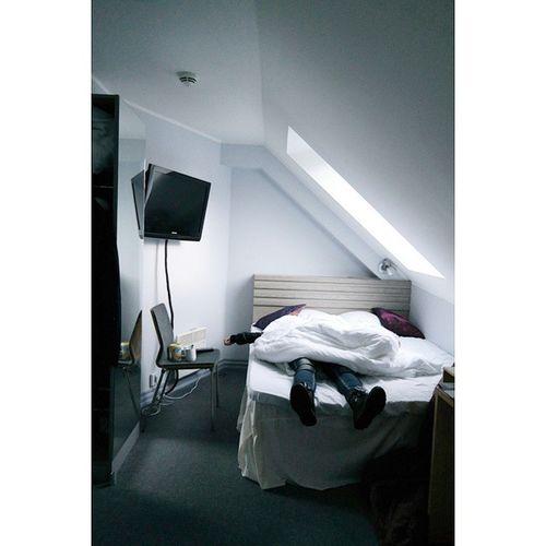 일어나기무섭게 다시눕기 단순잼😋 노르웨이 베르겐 Norway Bergen Klosterhagenhotell 유럽 유럽여행 여행 여행스타그램 애자매 시즌2 온니쫭 노숙에 지친 촹쫭 침대에 빨려들어갈것같음