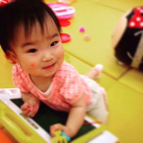 赤ちゃん よちよち 子育て かわいい Cute Babygirl Family Baby 可愛い
