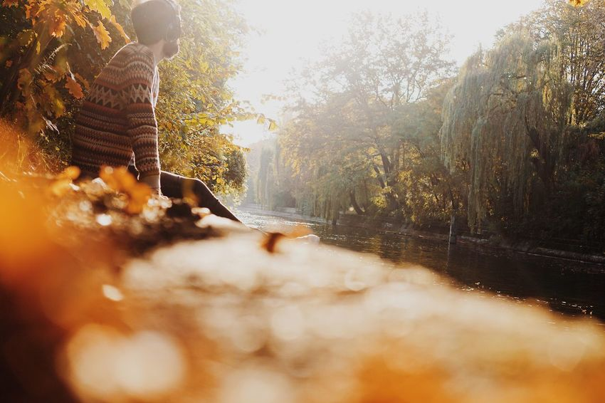 Real People One Person Leisure Activity Lifestyles Water Tree Outdoors Day Nature Lake Vacations Full Length Berlin Sunlight Autumn Autumn Colors Enjoying The View The Week On EyeEm Real Photography Enjoying Life Tree Trunk Nature Photography Beauty In Nature Scenics Landscape