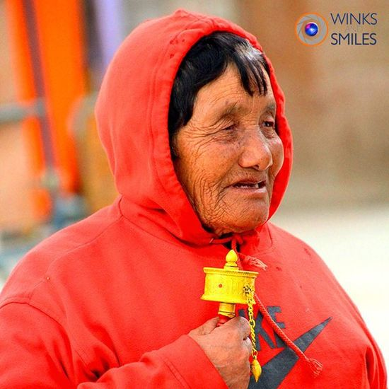 ~~~~~~~~~~~~~~~~~~~~~~~~~~~~~~~~~~~~~~ 💠 🇵 ▫ 🇴 ▫ 🇷 ▫ 🇹 ▫ 🇷 ▫ 🇦 ▫ 🇮▫ 🇹 💠 ~~~~~~~~~~~~~~~~~~~~~~~~~~~~~~~~~~~~~~ OF A BHUTANESE LADY WITH A PRAYER WHEEL CAPTURED AT BUDDHA POINT, THIMPHU, BHUTAN ~~~~~~~~~~~~~~~~~~~~~~~~~~~~~~~~~~~~~~ All images are subject to ©copyright No repost, regram or reproduce without prior permission All rights reserved ~~~~~~~~~~~~~~~~~~~~~~~~~~~~~~~~~~~~~~~ Thimphu Bhutan Royalbhutan Bhutanese BuddhaPoint Travel Lady Prayerwheel Travelphotography Wanderlust Indianphotographer Photographers_of_india Instapic Pod Instaportrait VSCO Natgeotravel Natgeotravelpic Salisonline PortraitPhotography Ig_global_people @igglobalpeople Likeforlikealways Click_india_click Ig_energy_people @ig_energy_people Explorethroughcamera vacation ig_bhutan @explore_through_camera solotraveler plushescapes nike