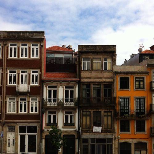❤️ Igers Igers_porto Porto Buildings Travelers Tourists Trip Love_porto Oporto View Visiting_xleitsa Colors