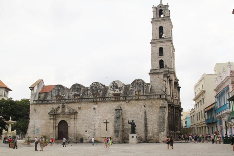 Basilica Havana Cuba St. Francis Of Assisi, Havana Cuba Arch Architecture Belief Building Building Exterior Built Structure City Crowd Group Of People History Large Group Of People Minor Place Of Worship Real People Religion Sky Spirituality The Past Tourism Travel