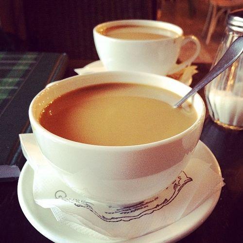 У меня не будет цветов в инстаграме! У меня кофе, поддержка и лучший друг, который балует меня кофе! ☕️это мое 8 марта;)