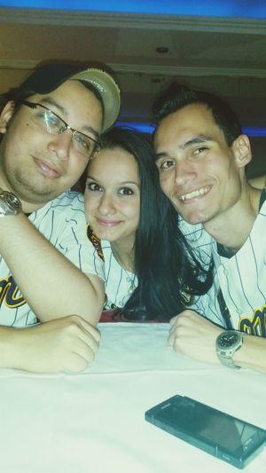 Hermanos!!