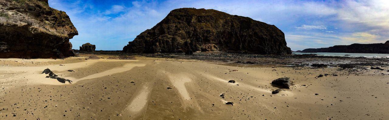 The rocks at Flinders Morningtonpeninsula Beach Panorama