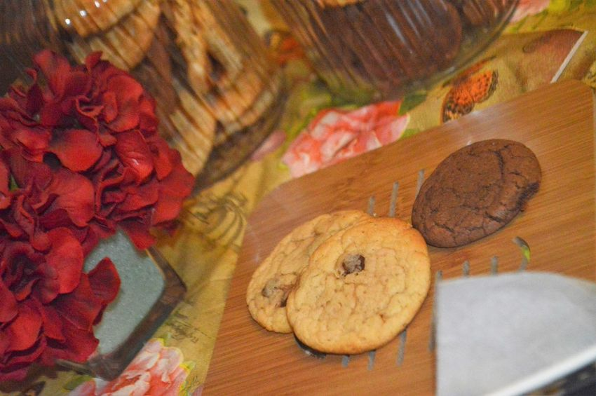 Baked Close-up Cookie Focus On Foreground Food Food And Drink Freshness High Angle View Indoors  Indulgence Muffin No People Ready-to-eat Selective Focus Snack Still Life Sweet Food Table Temptation Unhealthy Eating Wood - Material