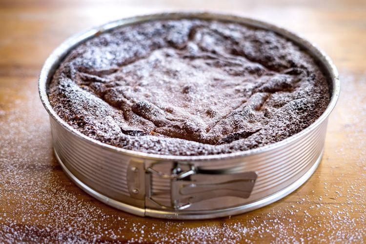 Freshly baked cake Sugar Cake Sweets Dessert Indoors  Food And Drink Sweet Food Close-up No People Food Freshness