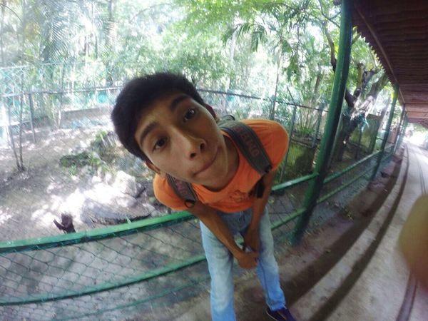 Holiii:3 Parque Viveros Frends Moment Capturing Freedom When Gestures When