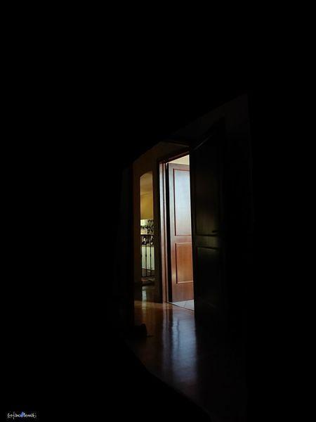 Indoors  Xzpremium Xperia The Week On EyeEm EyeEmNewHere Capture The Moment Dark Light Night