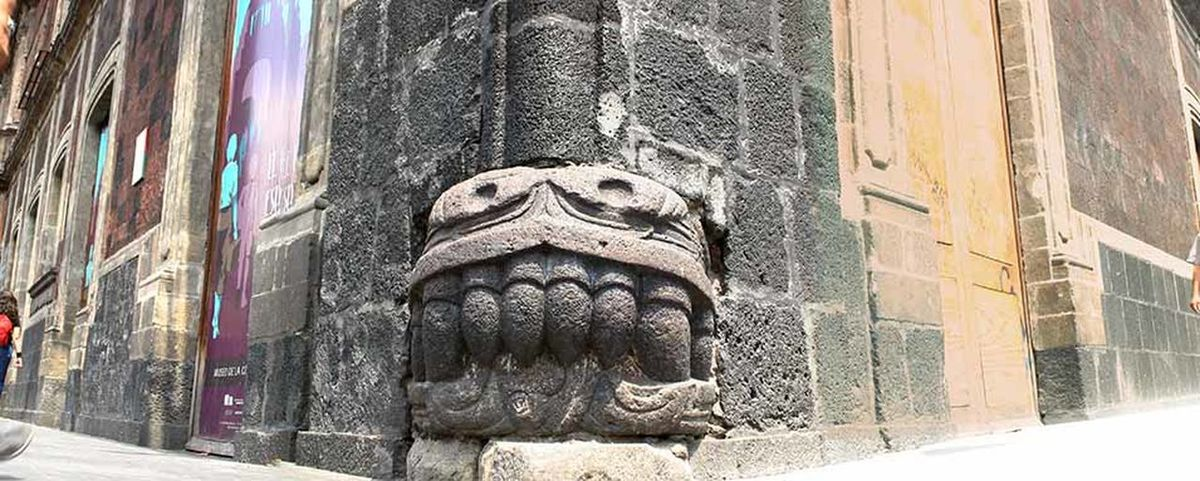 Animal Representation Art Aztec Creativity HEAD Historic History Human Representation Museo Nacional De Arte Old Ornate Outdoors Quetzalcoatl Sculpture Snake Statue Stone Textured  Up Close Street Photography Zócalo Tourist Destination Mexico Building Exterior Architecture