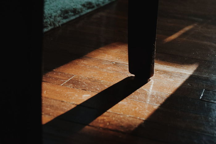 VSCO Modern Urban Light Light And Shadow Curious Dusty Dusty Floors Wooden Floors Wood Floors Chair Leg Elegant Elégance Classic Classical Fine Art Photography Home Is Where The Art Is Pivotal Ideas Dramatic Angles TakeoverContrast Maximum Closeness Uniqueness Art Is Everywhere BYOPaper! Visual Creativity
