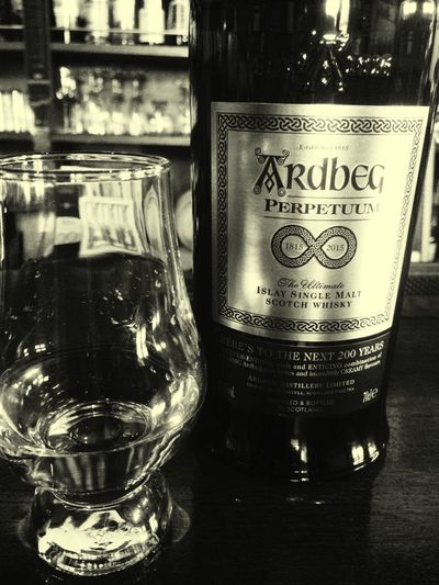 Ardbeg PERPETTTM ARDBEGDAY Hello World Bar Whiskey Blackandwhite Photography Alcohall Matsuzaka Japan