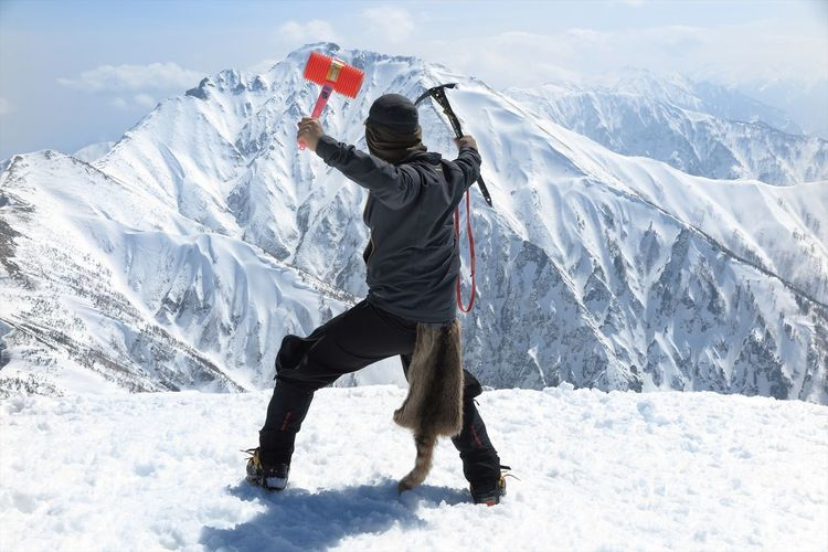 I'm ready for attack lol 懐かしのピコピコハンマー(笑) That's Me Taking Photos Enjoying Life Mountains Nature Landscape EyeEm Best Shots Hello World Winter Blue Sky Eyem Nature Lovers  Snow Canon Outdoor Photography Japan Streamzoofamily Hanging Out Cheese! Relaxing 日本 自然 風景 Sky