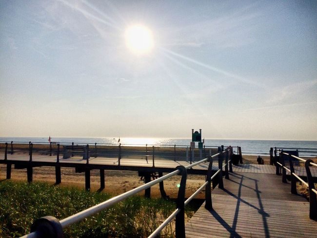Sun Railing Sea Sunbeam Sunlight Lens Flare Water Horizon Over Water Tranquility Sky Nature Beauty In Nature Tranquil Scene Outdoors Day Scenics No People Surf Fstoppers Light