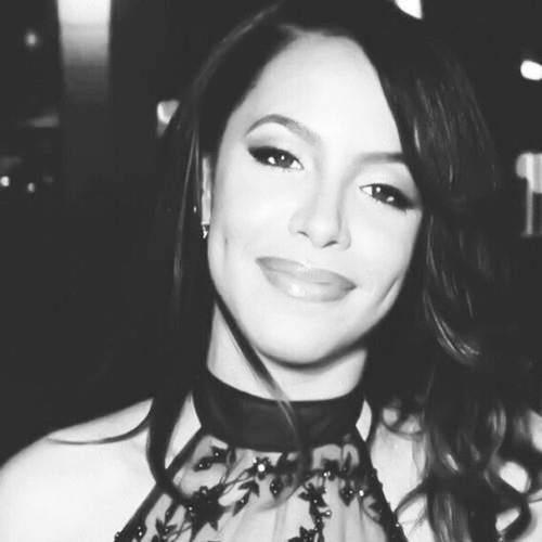 Seeing her smile makes me smile EVERYTIME. Been a fan ever since I came out of the womb. Miss her soooooooo much can , Joseline wouldn't even be making music if Aaliyah was alive, just saying. MissUAaliyah TrueAngel MoreThanAWoman BabyGirl RIPBabyGirl RIPAaliyah WordsCantExpressHowMuchILoveAaliyah StopProductionOfAaliyahBiopic?????????