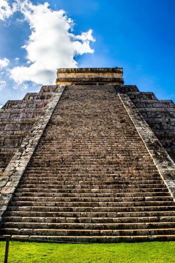 Chichen Itza Pyramid Attraction In Mexico Cancun Chichen Itza Friendlylocalguides Mexican Holidays Mexican Vacation Mexico Mexico Chichen Itza National Landmark Pyramid Things To Do In Mexico What To See In Mexico Where To Go In Mexico Wonder Of The World