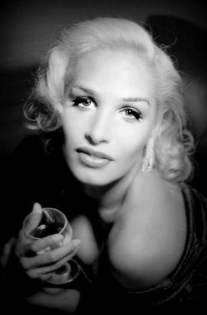 The Portraitist - 2015 EyeEm Awards Luna Luis Ortiz Luna Lens Glamour Shots Hollywood And Vine