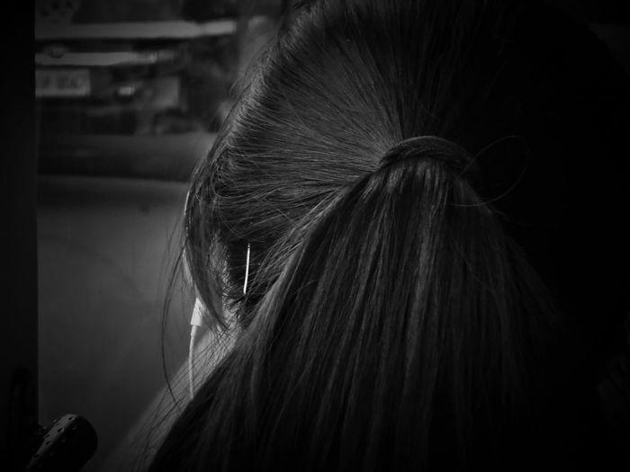 2017/5/29 街拍獵影~髮絲 於板橋公車上 Taiwan Bus Bw Bw_lover BW_photography B&w Photo B&w Bw Photography B&w Photography Bwphotography Streetphotography Street Street Photography Streetphoto_bw Street Scene Streetphotography_bw b&w street photography Women Headshot Human Hair Hair Care Hair EyeEmNewHere