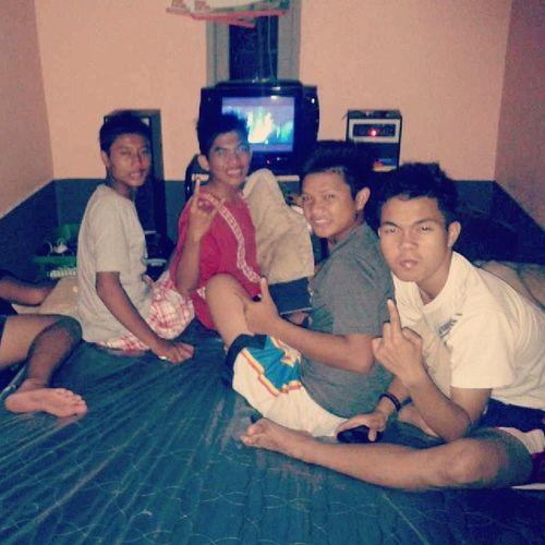 Latepost Tanjunghulu NGEMBUN Nonton filmhorror insidious2