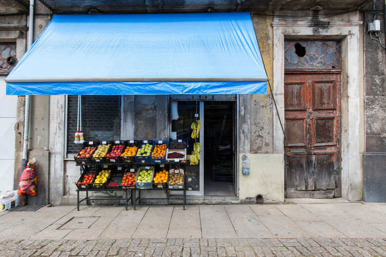Doorporn Doors Porto Portugal 🇵🇹 Building Building Exterior Business City Consumerism Day Door Entrance Food Food And Drink Market Market Stall Outdoors Retail  Retail Display Shopping Small Business Store Street Photography Streetphotography The Street Photographer - 2018 EyeEm Awards