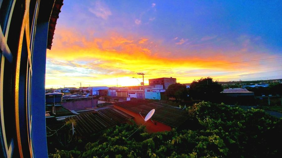 nascer do sol em Samambaia Sunset Cloud - Sky Sky Outdoors No People City Nature Day Architecture