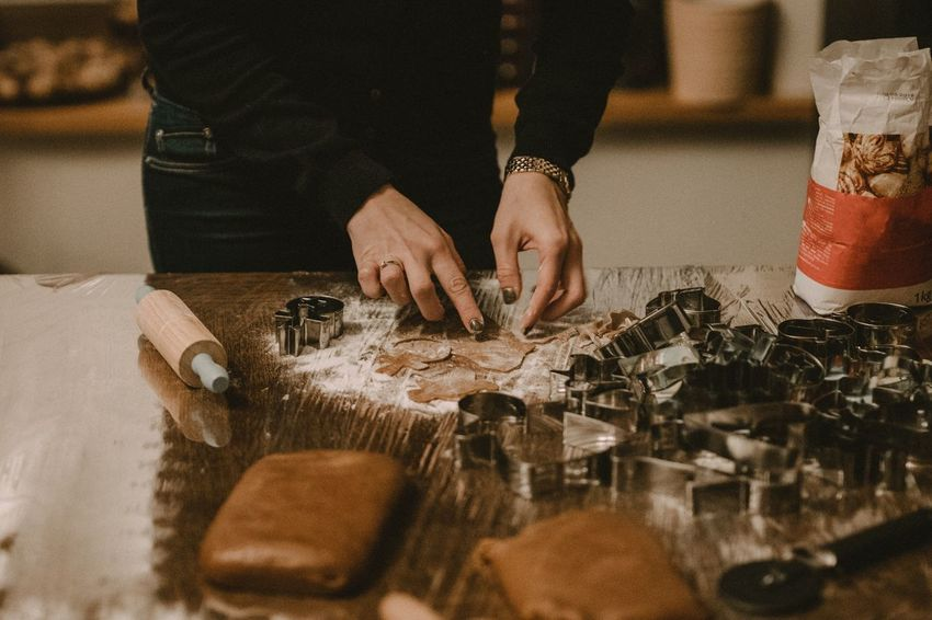 Indoors  Human Hand Table Real People Preparation  One Person Food Human Body Part Freshness Close-up Day Gingerbread Gingerbread House Cooking Baking Flour Chef Kitchen Cookies Cooking At Home Christmas Decoration Christmastime Eat Eating Fresh On Market 2018 Food Stories