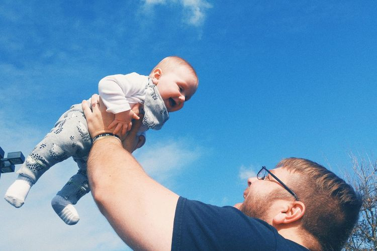 Father son bond EyeEm Selects Human Hand Men Togetherness Water Portrait Eyeglasses  Father Blue Sunlight Sky Family Bonds Parent Son Young Family Offspring Family With One Child Two Parents Go Higher