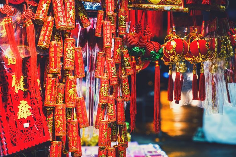 CNY ornament Ornament Discoverhongkong Hanging Tassel Large Group Of Objects Cultures Abundance For Sale Chinese New Year No People Choice Outdoors Market Lantern Religion Multi Colored Hope Variation Spirituality Day Close-up