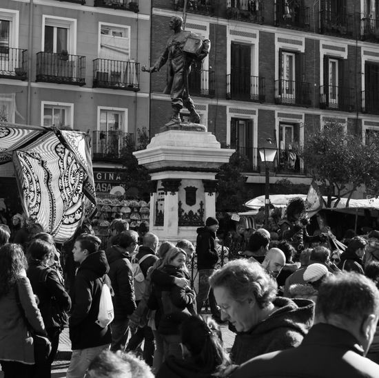 El rastro Rastro Madrid Cascorro. B/n b/w B/w Streetphotography First Eyeem Photo