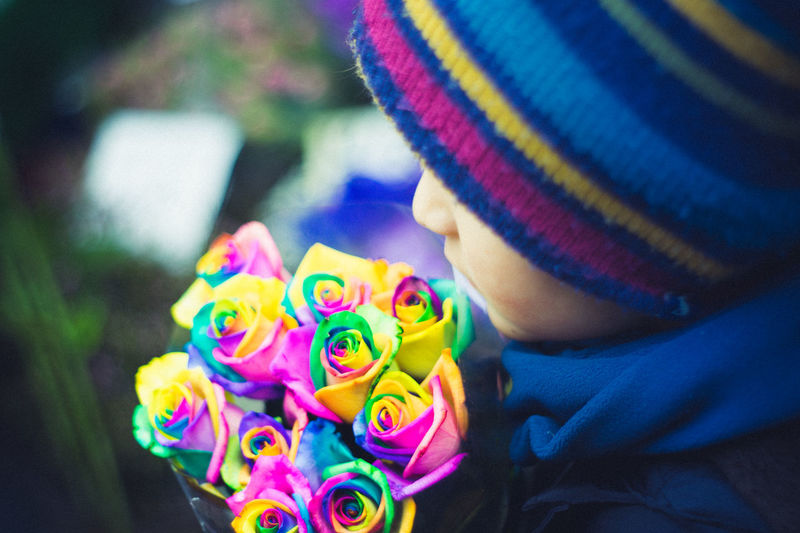 Bethnal Green Child And Flower Columbia Flower Market Flower Market Flowers Flowers And Boy London Present For Someone? Rainbow Roses