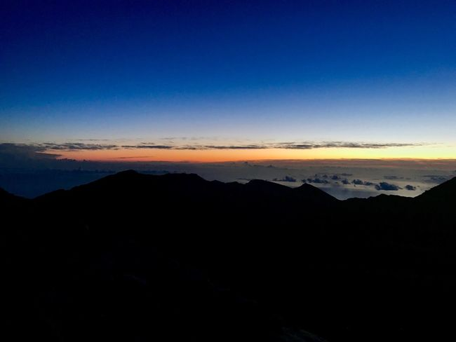 Peaceful Sunday wishes Above The Clouds Peaceful Before Sunrise Summit View EyeEm Nature Lover Silhouette Tranquil Scene Mountain Nature Beauty In Nature Copy Space Scenics Tranquility Blue Mountain Range No People Sky Outdoors