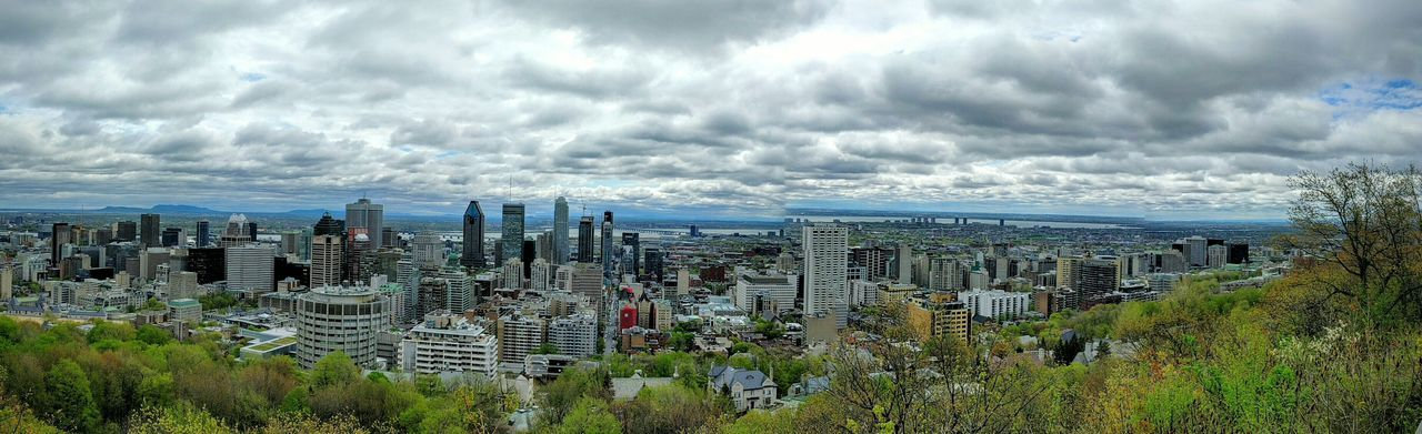 Panorama of Montreal Feelthejourney