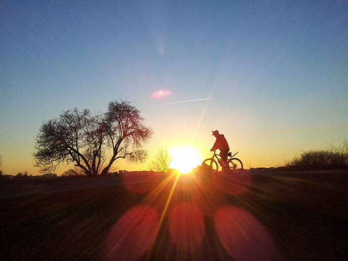 Ciclysts Transportation Sunlight Sky One Person Full Length Sunset Nature Beauty In NaturePeople Outdoors One Man Only Only Men Adults Only Adult Day Bicycle Sport Time Montainbike Silhouette