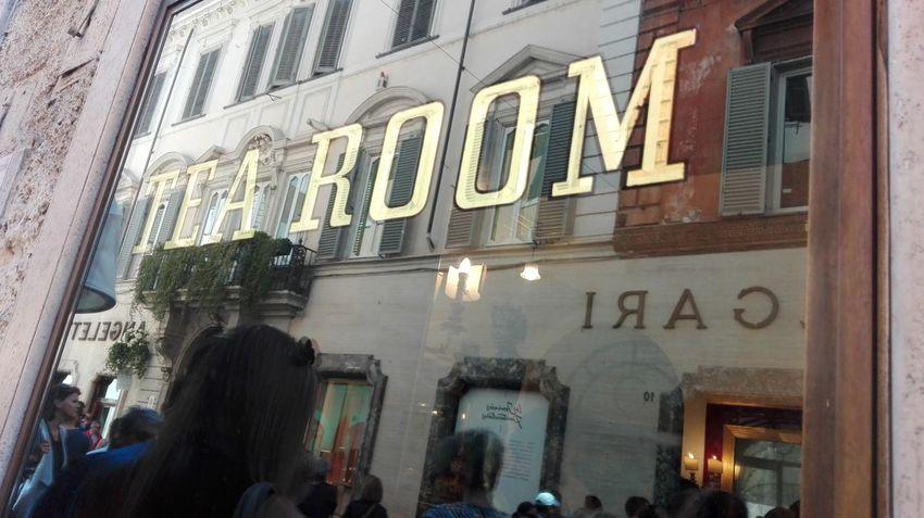 Caffè Greco Rome Rome Italy Rome Storic Via Condotti Rome Via Condotti Street Photography Streetphotography Hello World No Filters Or Effects Beutiful  Esclusive Hollidays In Rome Chic In Rome