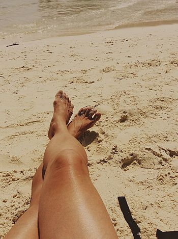Getting A Tan Sea Enjoying The Sun Relaxing Hello World Eye Em Around The World Legs Relaxing Travel Getting In Touch