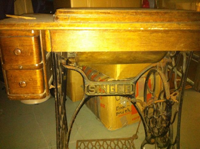 Sewing Machine Wood Drawers Old Pedal Singer Sewing Machine Treadle Treadle Sewing Machine Wrought Iron