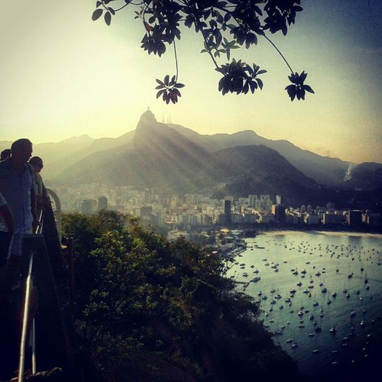 Entardecer no primeiro dia do ano Riodejaneiro Sightseeing Landscapehunter Landmark Nature naturelover Tourists Sunset Bring Me The Horizon Paysage Landscapelovers