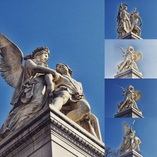 Statuen auf der Schlossbrücke vor dem Dom in Berlin. Berlin Statuen Schlossbrücke Berlin Dom Berlin EyeEm Selects Statue Sculpture Clear Sky King - Royal Person Blue City History Sky Architecture Close-up Monument Angel Memorial National Monument