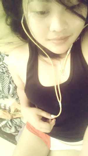 Listening To Music Relaxing StillInBed That's Me Womanofstyle