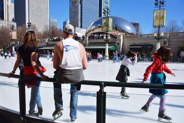 February in Chicago 65 degree Sunday. Bare arms at Millennium Park Ice Rink Built Structure Architecture EyeEm Best Shots Getty Images EyeEm Gallery City Group Of People Building Exterior People Large Group Of People Water Men Adult Adults Only Crowd Stadium Young Adult Urban Skyline Outdoors Ice Rink Day