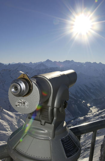 Aussicht Fernsicht Beauty In Nature Close-up Coin-operated Binoculars Day Genießen Hand-held Telescope Mountain Mountain Range Nature No People Outdoors Scenics Sky Sunlight Technology Telescope Viewpoint