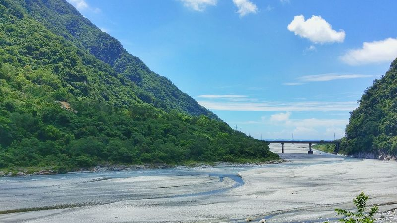 Beauty In Nature River Bridge Tree Mountain Traveling Taiwan Style Tarokopark Hualien, Taiwan Taroko Taroko National Park HualienCounty Taiwan Photographer Hualien Taiwan Hualiencity Hualien⛅ Hualien🌹 Hualien Travel Travel Photography Hualian Blue Sky Sea Life Discover The World Wanderlust ;-)