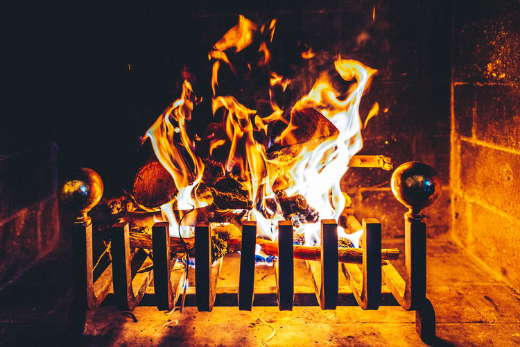 Cosy Cosy Home Cosy Light Fire Fire And Flames Fire Place Fireplace Flames Flames & Fire Flames And Wood Flameshots Hot Warm Colors
